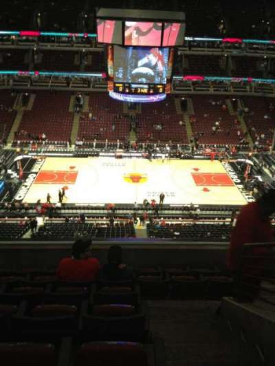 United Center, section: 318, row: 7, seat: 1
