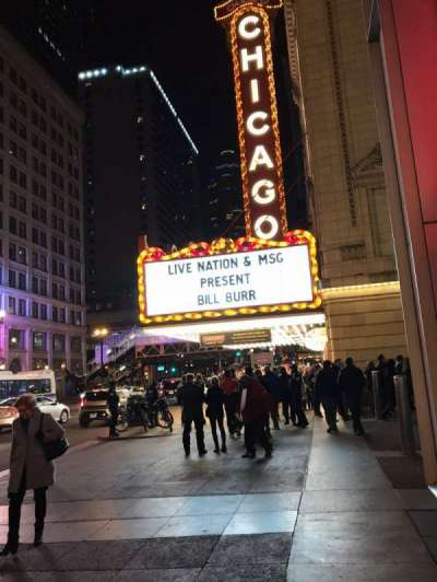 Chicago Theatre section Outside