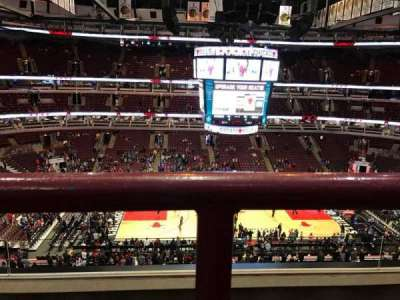 United Center, section: 318, row: 3, seat: 12
