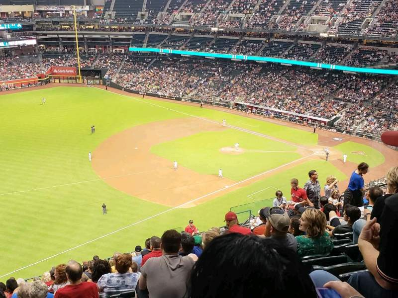 Seating view for Chase Field Section 327 Row 20 Seat 15