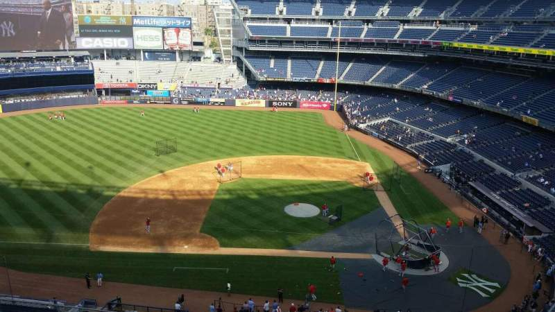 Seating view for Yankee Stadium Section 324 Row 7 Seat 1