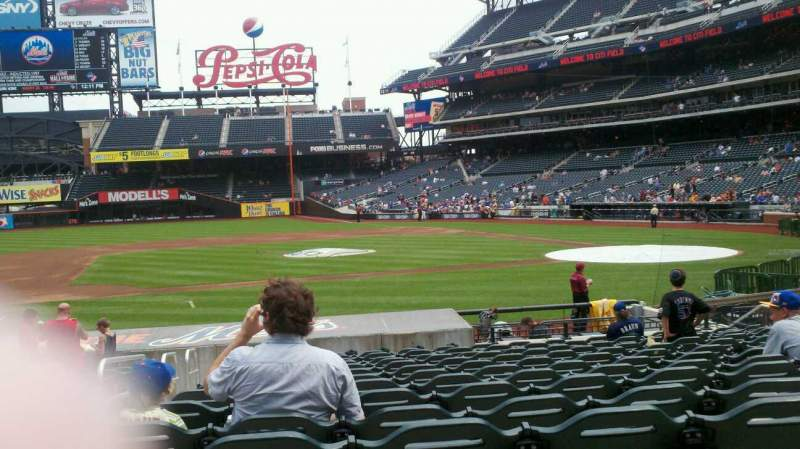 Seating view for Citi Field Section 121 Row 14 Seat 17