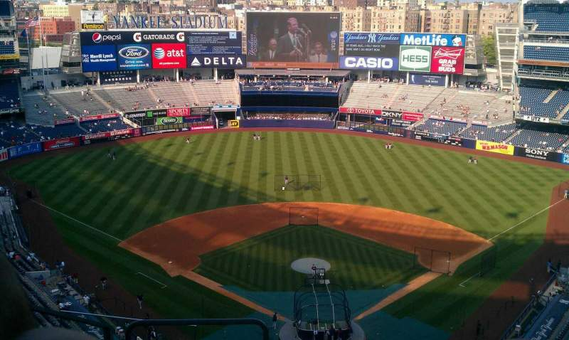 Seating view for Yankee Stadium Section 420b Row 9