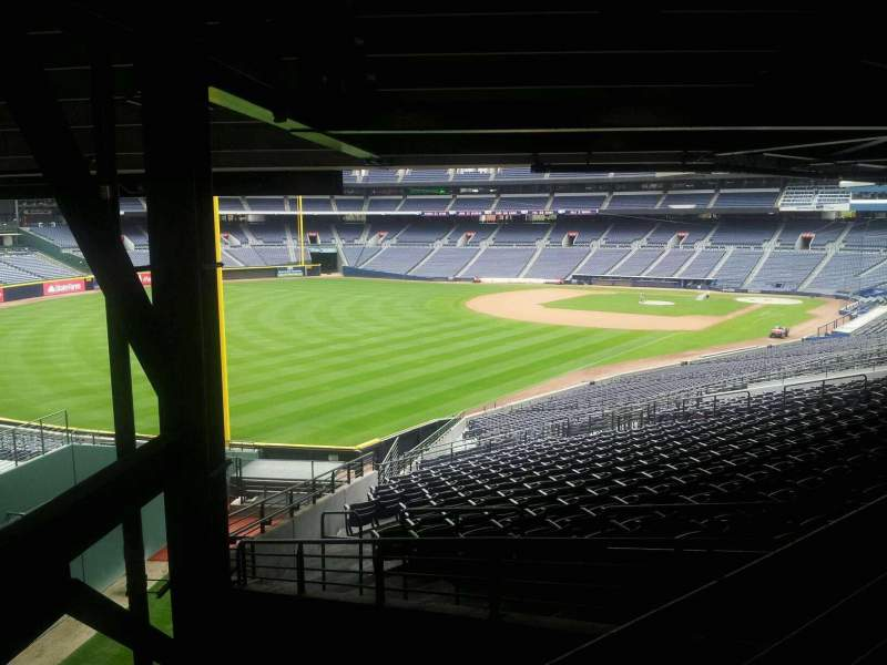 Seating view for Turner Field Section 328L Row 6 Seat 101