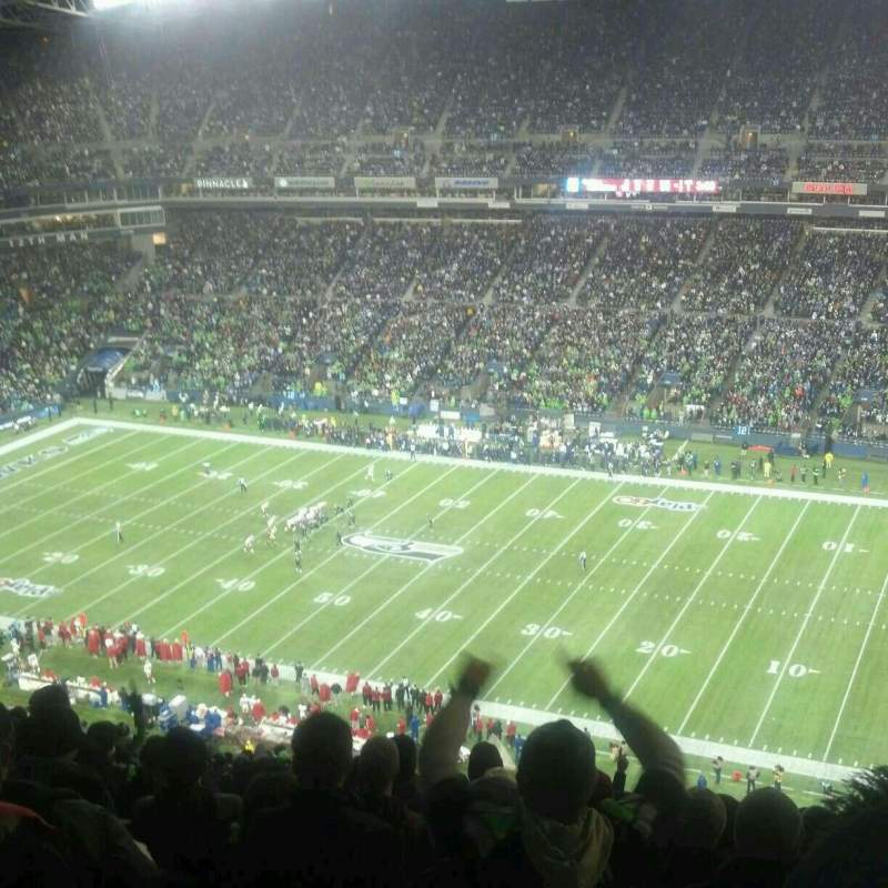 Seating view for CenturyLink Field Section 305 Row EE Seat 16