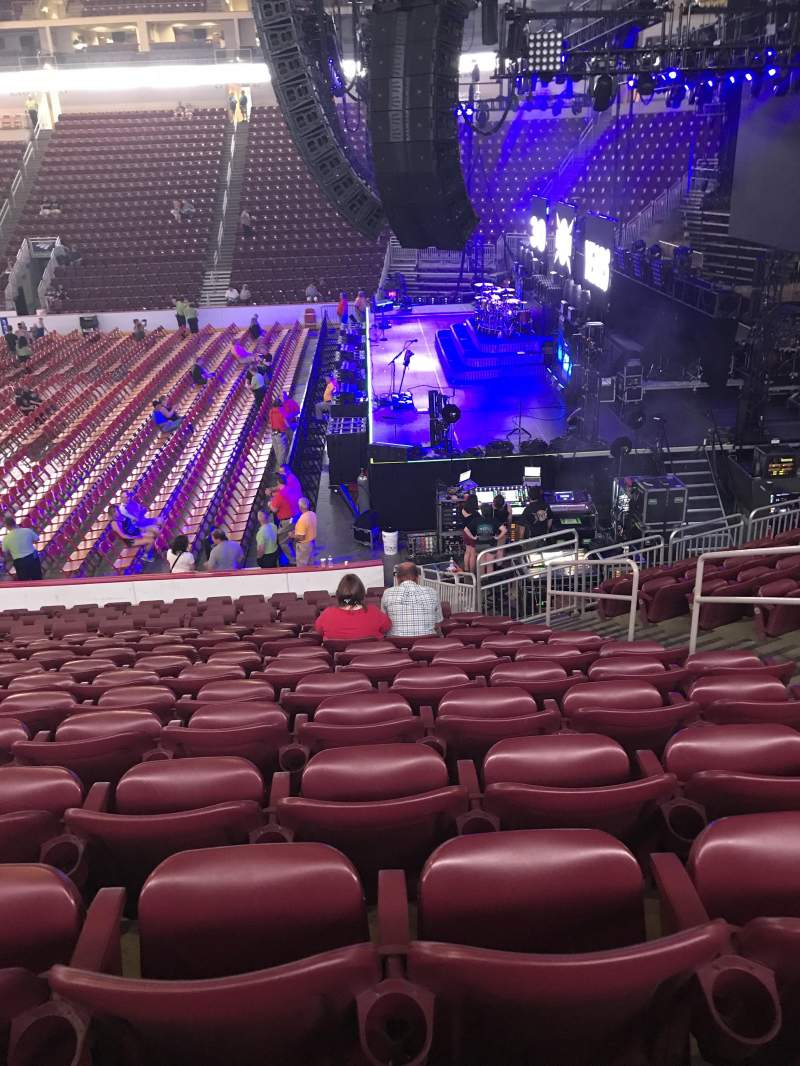 Giant Center, section: 109, row: R, seat: 6