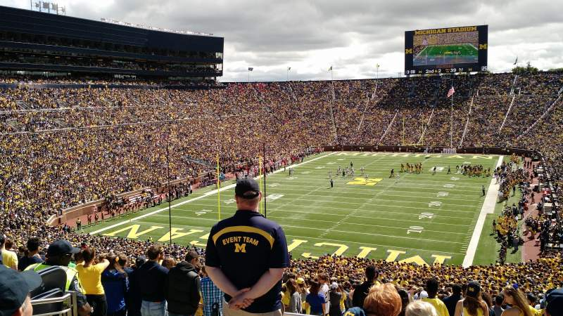 Seating view for Michigan Stadium Section 32 Row 76 Seat 22
