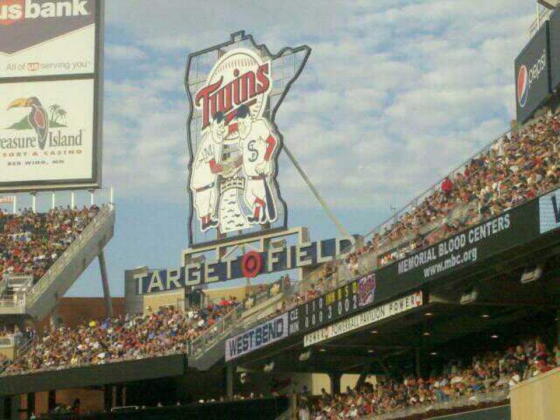 Seating view for Target Field Section 101 Row 14 Seat 14