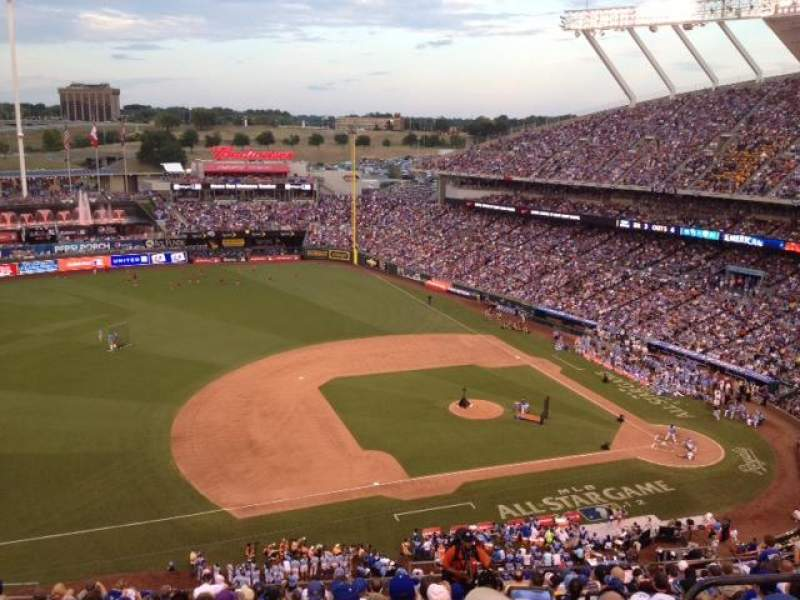 Seating view for Kauffman Stadium Section 407 Row S Seat 7