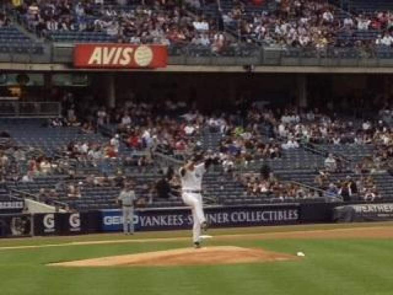 Seating view for Yankee Stadium Section 014B Row 3