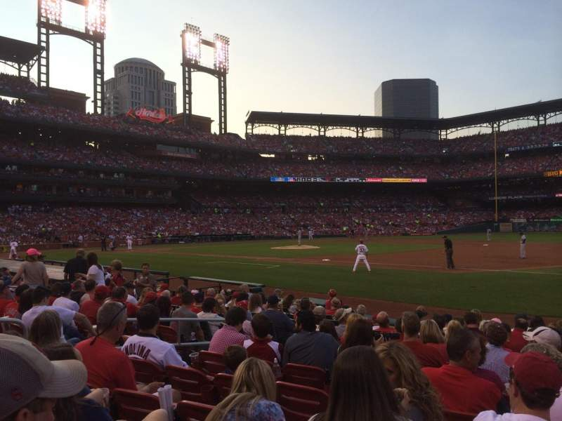 Seating view for Busch Stadium Section 140D Row M Seat 9