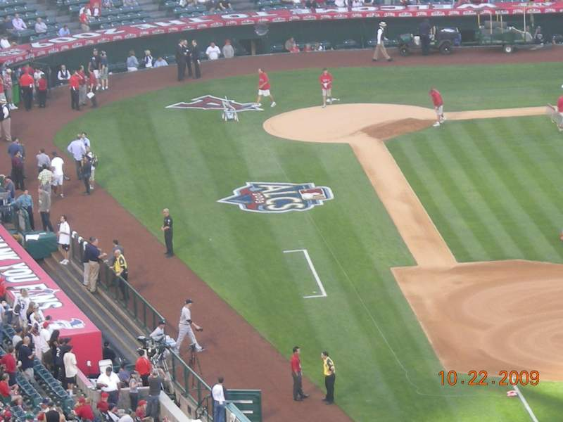 Seating view for Angel Stadium Section 427