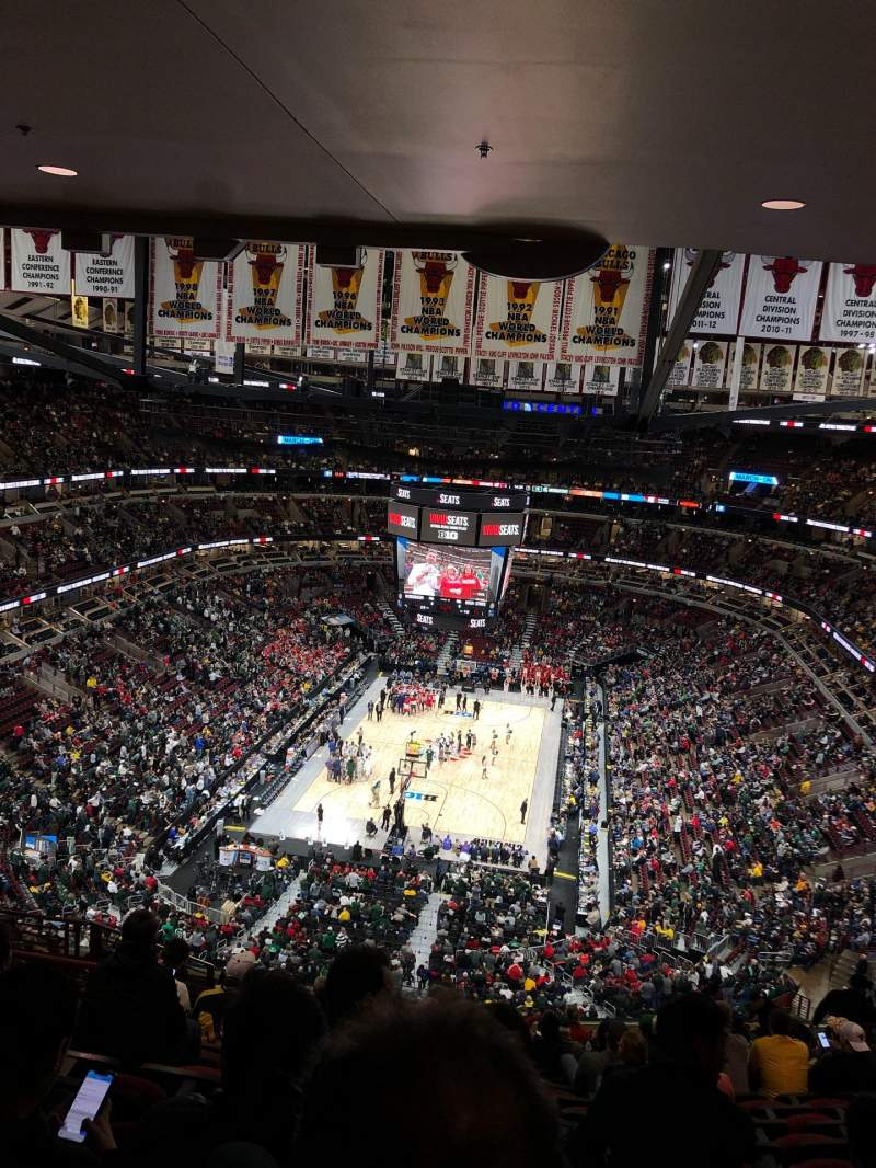 Seating view for United Center Section 325 Row 16 Seat 14