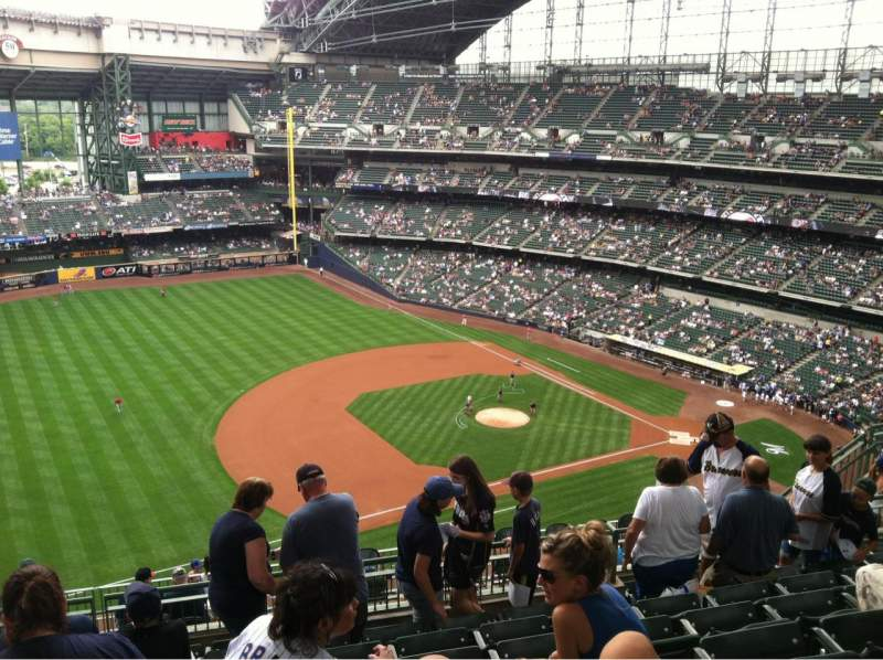 Seating view for Miller Park Section 432 Row 15 Seat 17