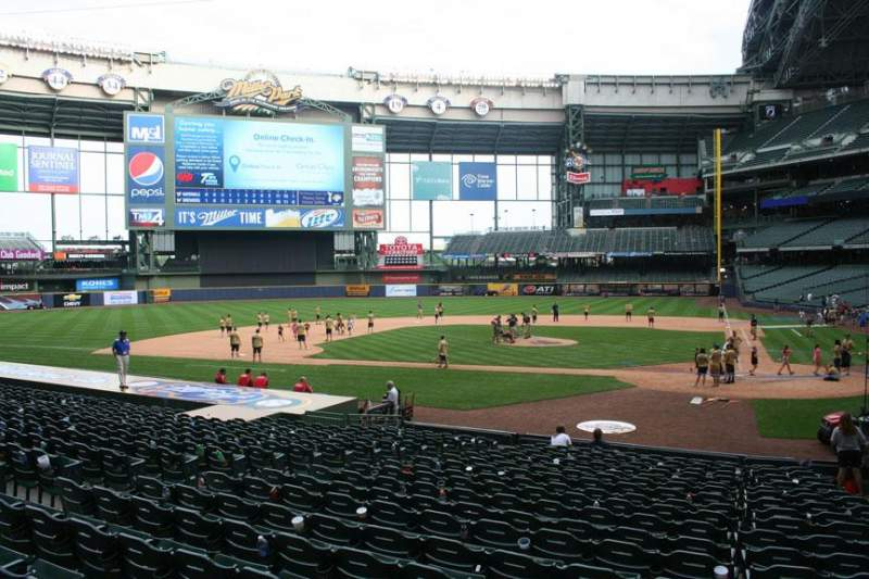 Seating view for Miller Park Section 120 Row 20 Seat 5