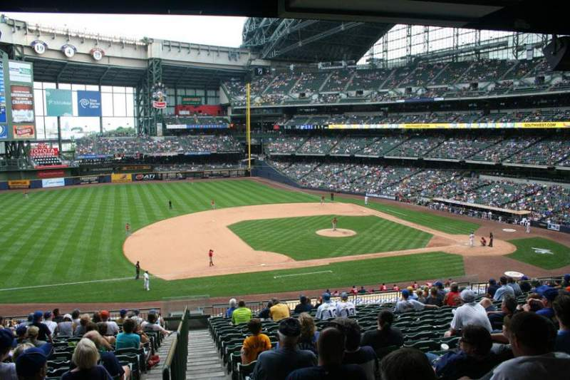 Seating view for Miller Park Section 225 Row 18 Seat 18