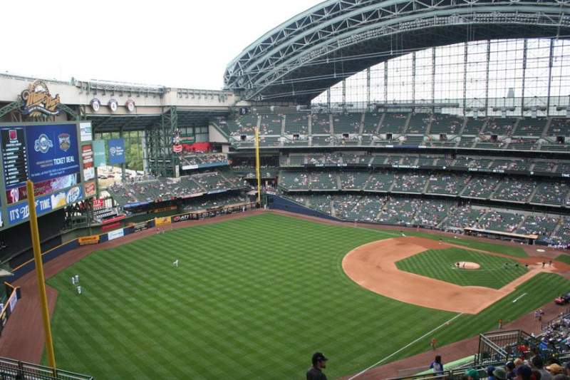 Seating view for Miller Park Section 437 Row 19 Seat 17
