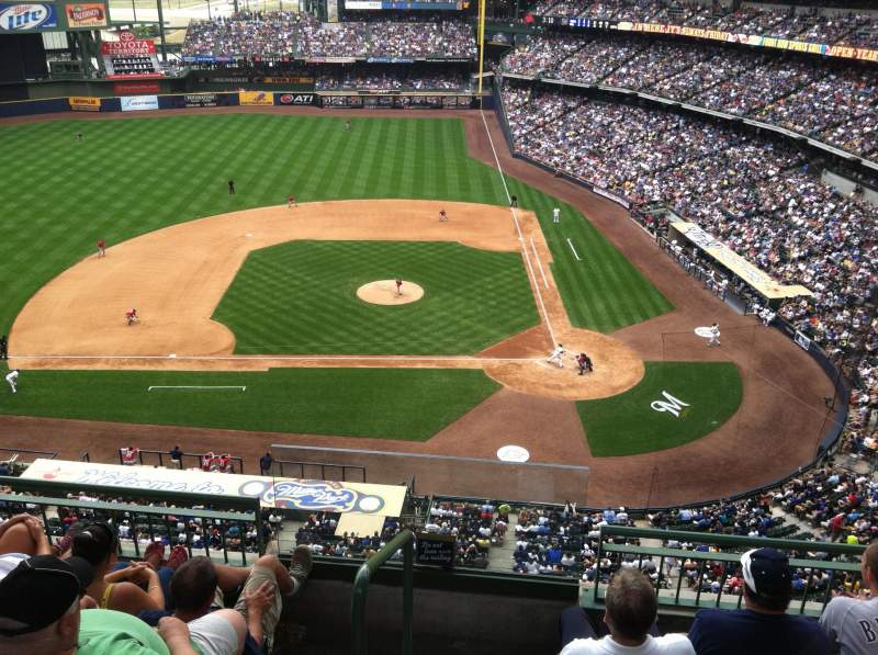 Seating view for Miller Park Section 427 Row 4 Seat 13