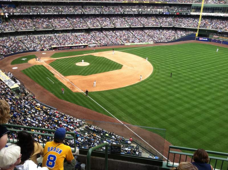 Seating view for Miller Park Section 406 Row 3 Seat 20