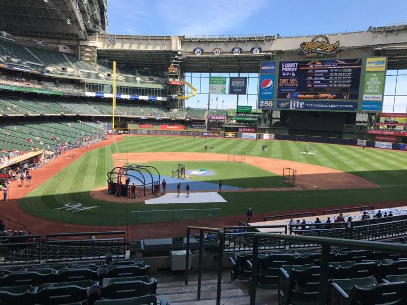 Seating view for Miller Park Section 210 Row 7 Seat 14
