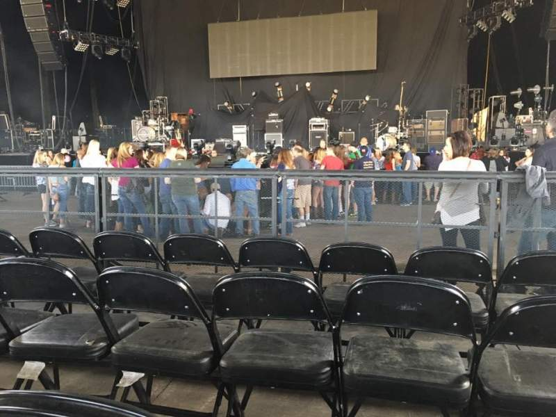 Seating view for Hollywood Casino Amphitheatre (Tinley Park) Section 103 Row R Seat 11