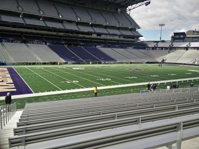 Seating view for Husky Stadium Section 132 Row 21 Seat 28
