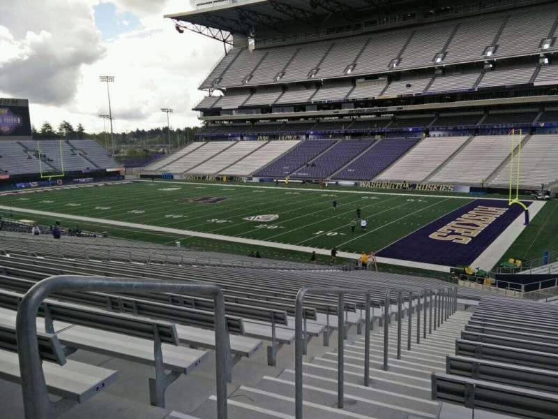 Seating view for Husky Stadium Section 124 Row 41 Seat 25