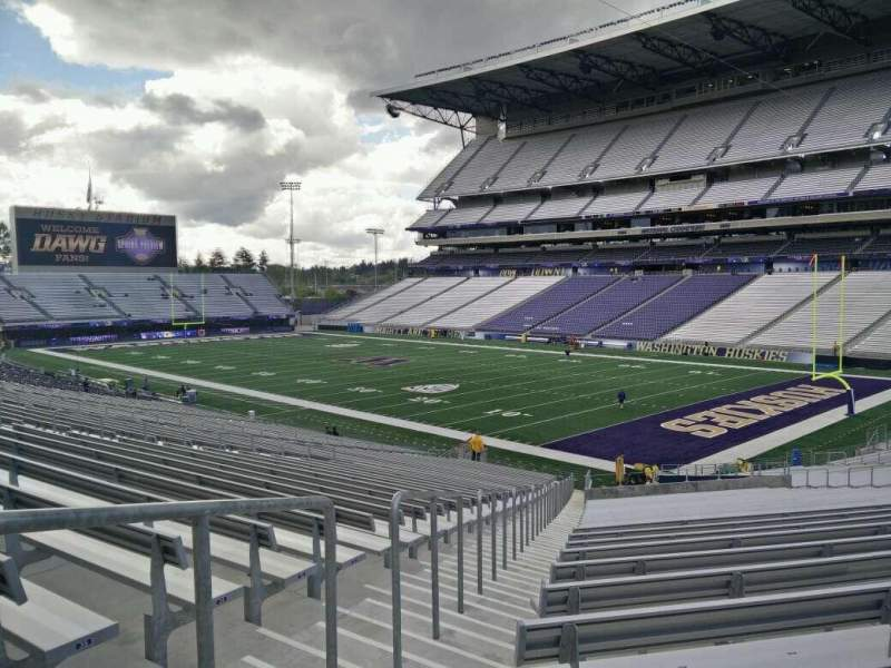Seating view for Husky Stadium Section 122 Row 37 Seat 38