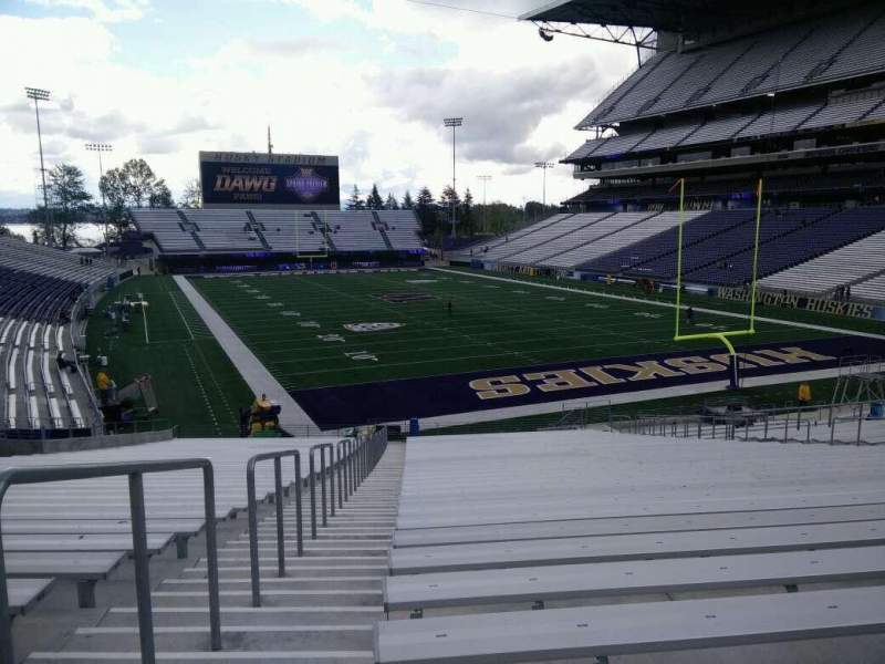 Seating view for Husky Stadium Section 120 Row 35 Seat 25