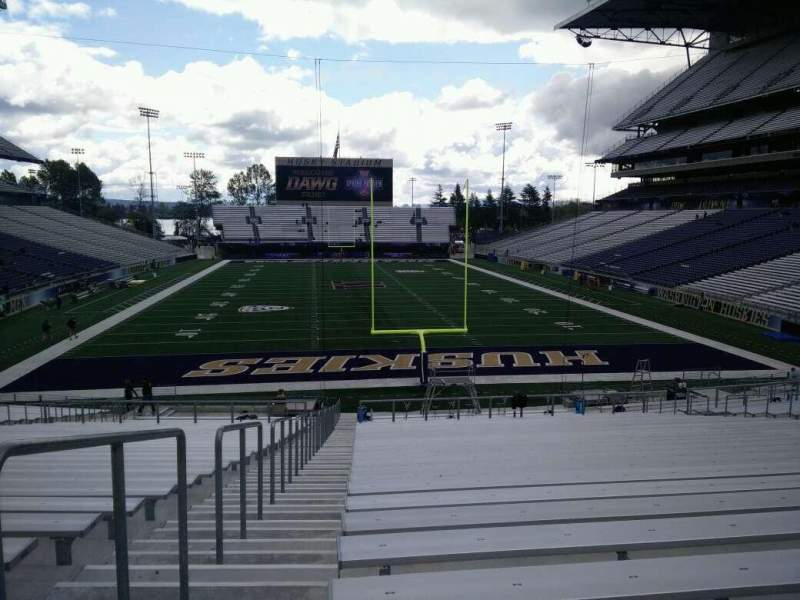 Seating view for Husky Stadium Section 118 Row 35 Seat 28