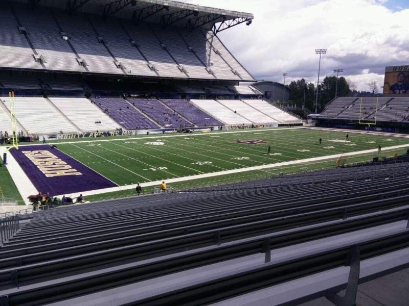 Seating view for Husky Stadium Section 110 Row 40 Seat 25
