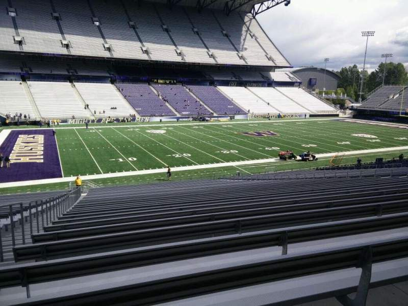 Seating view for Husky Stadium Section 109 Row 40 Seat 25
