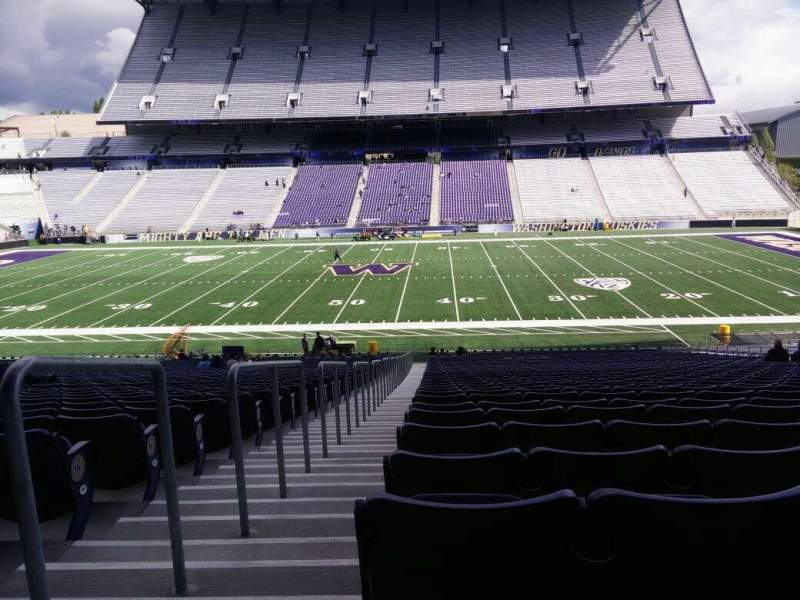 Seating view for Husky Stadium Section 105 Row 40 Seat 25