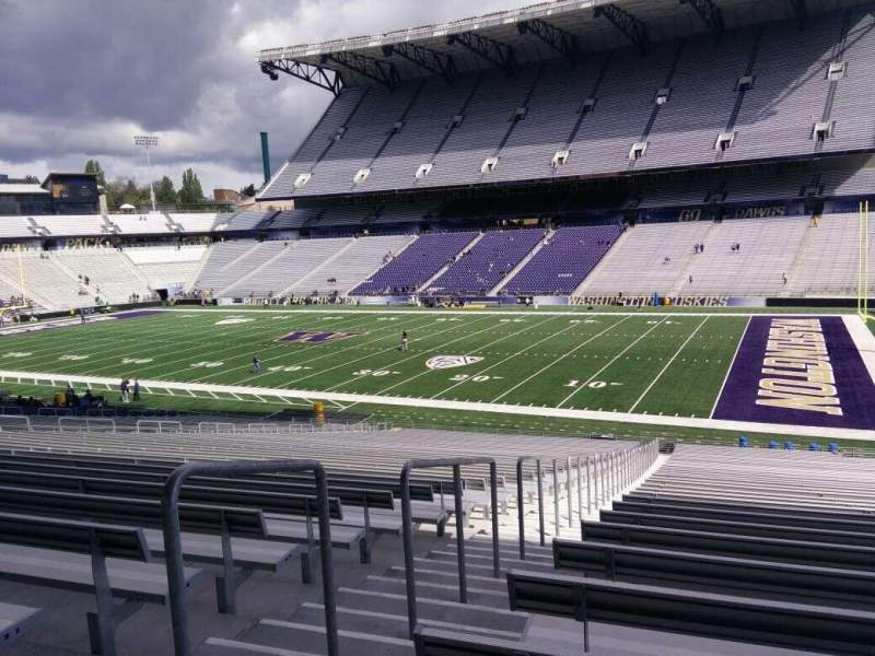 Seating view for Husky Stadium Section 102 Row 40 Seat 25