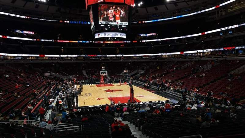 Seating view for United Center Section 118 Row 18 Seat 4
