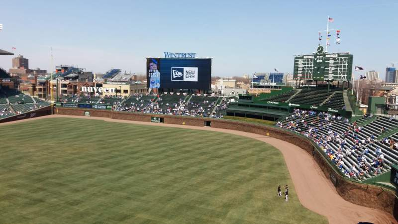 Seating view for Wrigley Field Section 330R Row 6 Seat 19