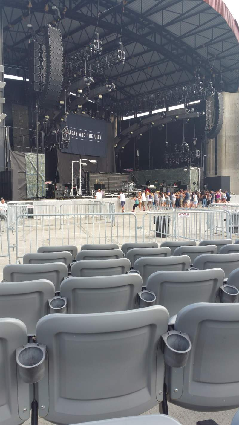 Seating view for Jones Beach Theater Section H Row GG Seat 21