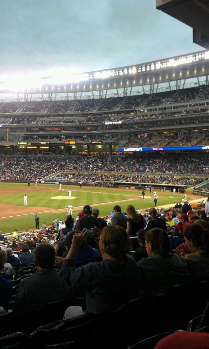 Seating view for Target Field Section 123 Row 22 Seat 11