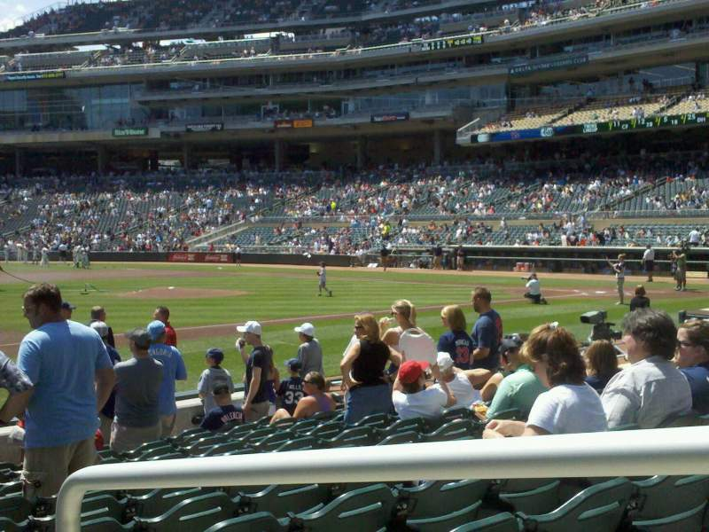 Seating view for Target Field Section 15 Row 11 Seat 1