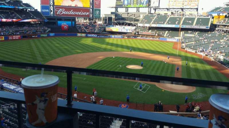 Seating view for Citi Field Section 323 Row 1 Seat 12