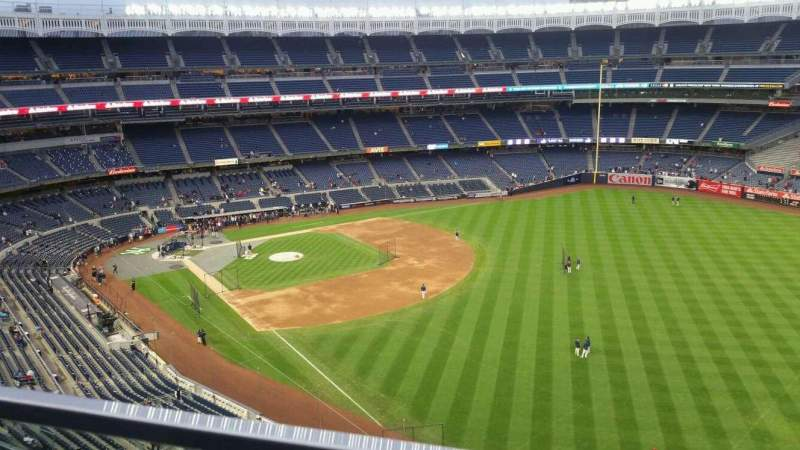 Seating view for Yankee Stadium Section 409 Row 1 Seat 2