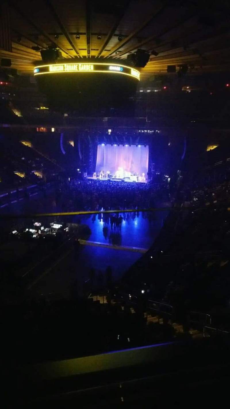 Madison Square Garden, section: 206, row: 1, seat: 2