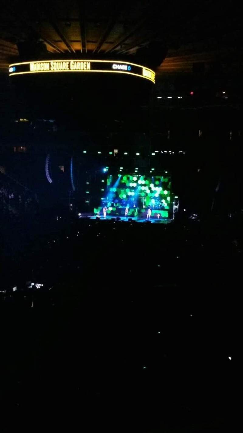 Madison Square Garden, section: 206, row: 1, seat: 3