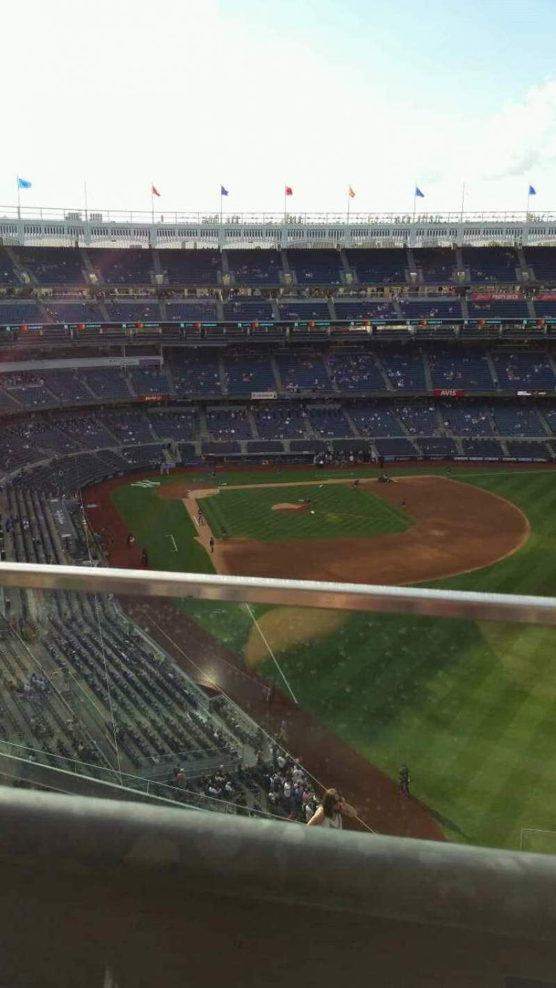 Yankee Stadium, section: 407B, row: 1, seat: 19