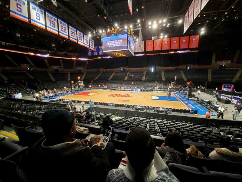Seating view for Nassau Veterans Memorial Coliseum Section 102 Row 4 Seat 9