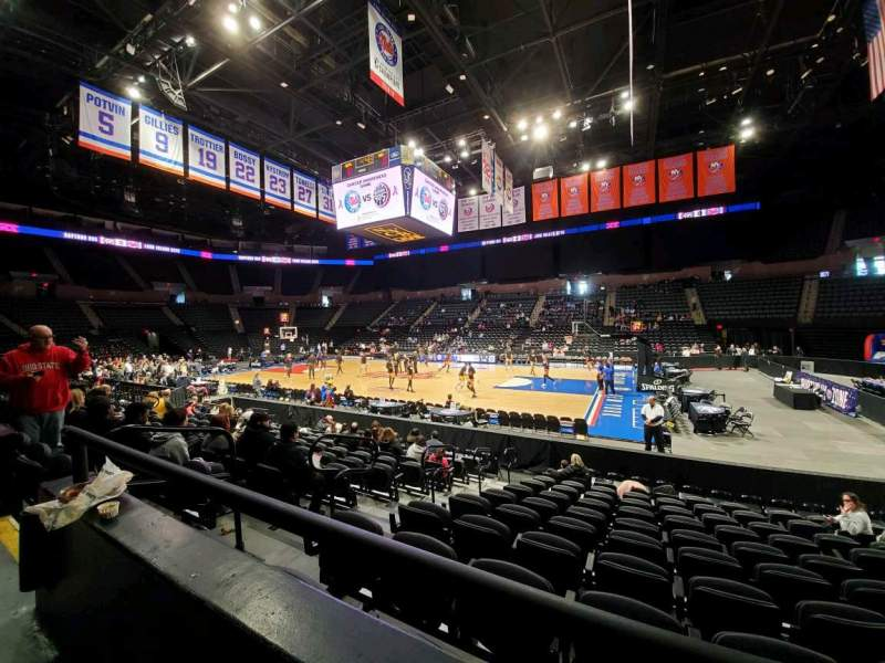 Seating view for Nassau Veterans Memorial Coliseum Section 101 Row 1 Seat 11