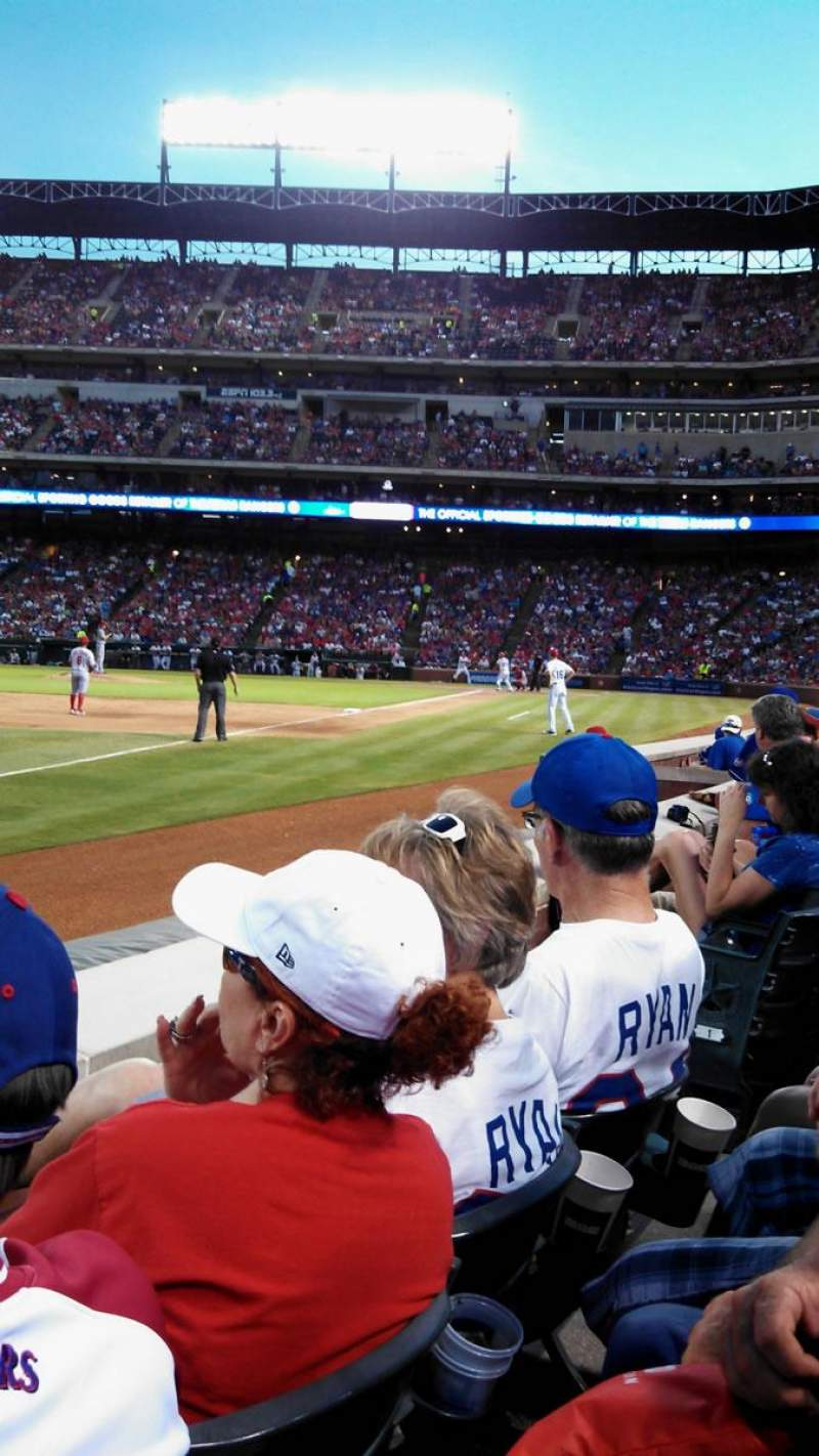 Seating view for Globe Life Park in Arlington Section 14 Row 2 Seat 13