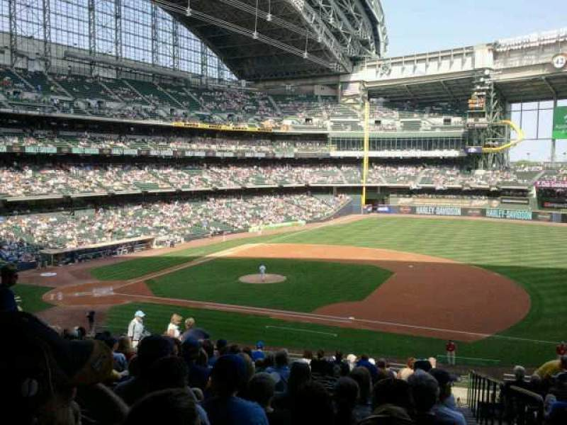 Seating view for Miller Park Section 212 Row 18 Seat 18