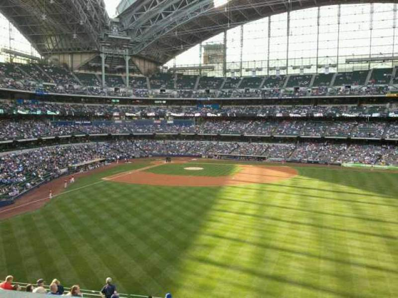 Seating view for Miller Park Section 202 Row 14 Seat 14