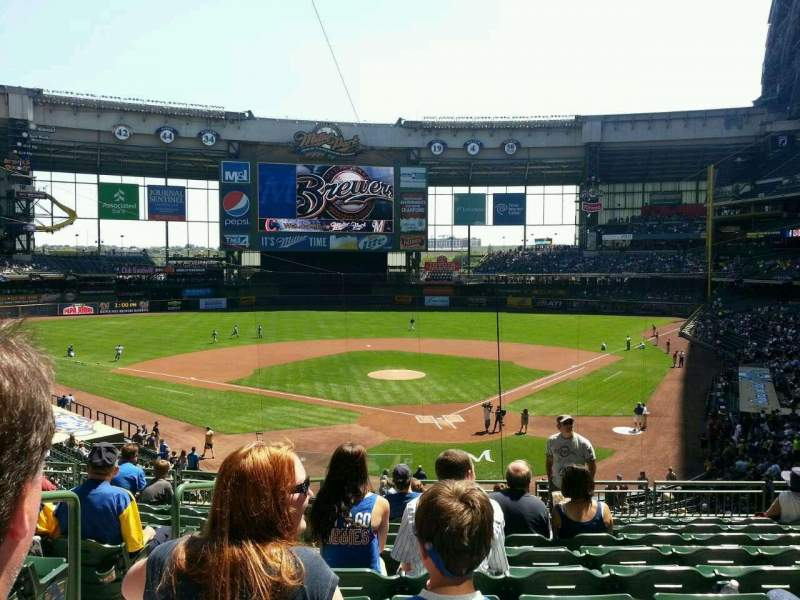 Seating view for Miller Park Section 219 Row 10 Seat 23